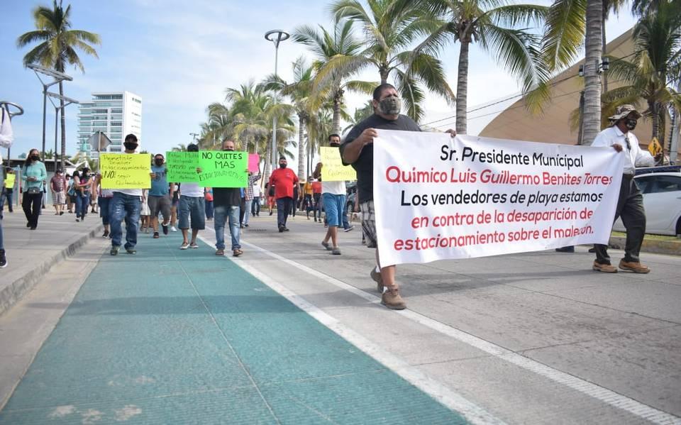Manifestación contra la ciclovía