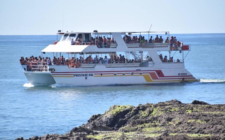 30 permits issued to catamarans and yachts for Mazatlan's Naval Combat -  The Mazatlan Post